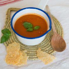 tomatensoep met Parmezaankoekjes   Macaron Manon for Dille & Kamille