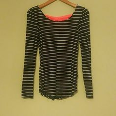 Rue21 long sleeve top Women's Rue21, navy and white striped top with hot pink bow on back. Back is swooped. Has been washed but never worn. Perfect condition. Very soft fabric. Great fit. Rue 21 Tops Tees - Long Sleeve