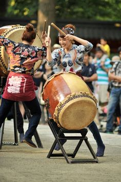 The season for late summer festivals are not over yet! If you are in Tokyo today I recommend heading over to the Nezu Shrine right on the edge of Bunkyo Ward, not far from Ueno. It has a little bit…