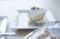 {Quick & Easy Lemon Meringue Pie} 25 Minutes