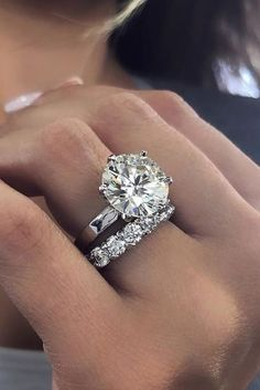 Round engagement rings are one of the most popular rings nowadays. Read the post and choose the most trendy engagement rings! Round Solitaire Engagement Ring, Designer Engagement Rings, Solitaire Diamond, Halo Engagement, Diamond Rings, Wedding Ring Designs, Wedding Rings, Wedding Bride, Wedding Set