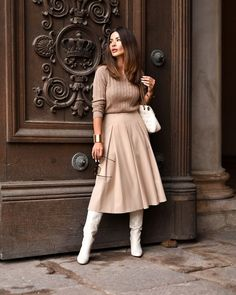 Street Fashion Street Style Fall-Winter Year: Photo ideas from pictures . - Street Fashion Street Style Fall-Winter Year: Photo Ideas of Pictures – - Fall Fashion Outfits, Casual Fall Outfits, Modest Fashion, Look Fashion, Cool Outfits, Girl Fashion, Winter Fashion, Fashion Dresses, Womens Fashion