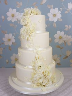 Cakes by Suzanne - Wedding Cakes with Flowers - Cakes by Suzanne - Professional Wedding and Celebration Cakes in Northern Ireland