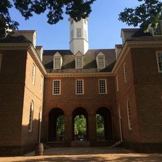 Capitol in Colonial Williamsburg! Love the architectural style of this building  #colonialwilliamsburg#architecture @colonialwmsburg