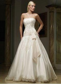 Forme Princesse Sans bretelle Traîne cathédrale Organza Satiné Robe de mariée avec Broderie Dentelle Ceintures
