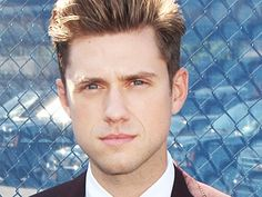 He Shoots, He Raps, He's Single! Six Things We Learned About Broadway Hottie Aaron Tveit Today