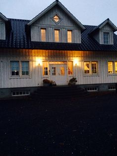 Trappa Cabin, House Styles, Home Decor, Decoration Home, Room Decor, Cabins, Cottage, Interior Design, Home Interiors