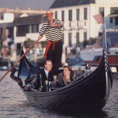 Cloud+9+Living+-+Romantic+Gondola+Cruise+(for+2+)