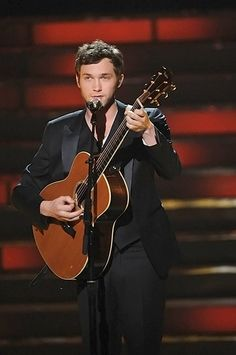 Nothing is better than a good looking man with a guitar :) Phillip Phillips!!