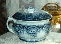 Antique FLOW BLUE Covered CHAMBER POT w/Lid Thunder Mug Bowl