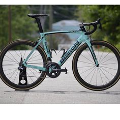 """BestBikeKit on Instagram: """"Bianchi Oltre XR4 Pic @glory_cycles . ☆ Visit @Mannschaftsports for Limited Edition Cycling Shoes and Jerseys – Designed in Germany &…"""""""