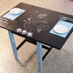 Salg på Ikea, Pimp my Ikeabord. Ikea Furniture Hacks, Retro Furniture, Wood Furniture, Furniture Websites, Chalkboard Table, Chalkboard Paint, Chalkboard Designs, Ikea Table, Dining Table