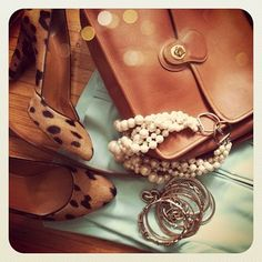 :: mint & leopard ::   my weakness for leopard and my new interest for mint...I'm diggin' it.