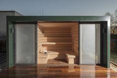 Noch mehr Inspirationen finden Sie im Online-Showroom - reinklicken! Outdoor Sauna, Outdoor Decor, Im Online, Showroom, Garage Doors, Shed, Interior Design, Luxury, Garden