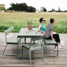 We are the partner for Fermob in New Zealand. Discover the Fermob Bellevie Table 196 x here. Visit the NZ Fermob experts! Outdoor Seating, Outdoor Dining, Outdoor Spaces, Outdoor Chairs, Outdoor Decor, Garden Furniture, Outdoor Furniture Sets, Wooden Walkways, Dining Table Design