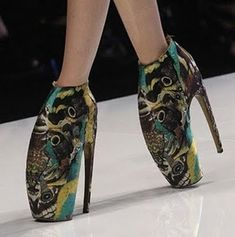 These crazy shoes will definitely make your feet hurt! Fashion or torture?