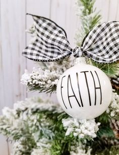 These look-alike ornaments are easy to make! I'm sharing a tip for making sure your vinyl letters are perfectly straight on a round ornament. Check it out at diy beautify! (handmade christmas presents ornaments) White Ornaments, Diy Christmas Ornaments, Christmas Balls, Christmas Home, Holiday Crafts, Christmas Decorations, Christmas Ideas, Rustic Christmas, Ornaments Ideas