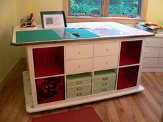 asimplelife Quilts: Dream Cutting Table! Ikea Expedit hack