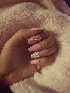 Uñas rosa Nails, Beauty, Pink Nail, Blue Prints, Finger Nails, Ongles, Beauty Illustration, Nail, Nail Manicure