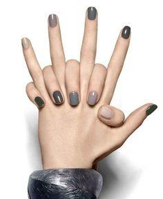 Minimalist gray nails