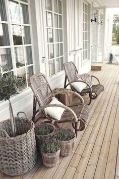 40 Lovely Veranda Design Ideas For Inspiration - Bored Art Outdoor Rooms, Outdoor Living, Outdoor Decor, Rustic Outdoor, Outdoor Seating, Outdoor Fun, Rustic Decor, Outdoor Chairs, Porch Furniture