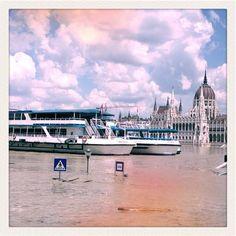 """Land unter"" in Budapest (c) Conrad Seidl Juni, Budapest, Louvre, Building, Travel, Voyage, Buildings, Viajes, Traveling"