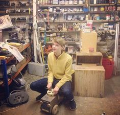 Thomas Sangster buys his first car Maze Runner Funny, Maze Runner Thomas, Maze Runner Cast, Maze Runner Movie, Maze Runner Series, Dylan Thomas, Dylan O'brien, Thomas Brodie Sangster, Humor 1