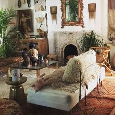 """64 Likes, 2 Comments - Audrey Garcia (@auj_in_la) on Instagram: """"I stole this image from @fleamarketfab #amazing #interior #style"""""""