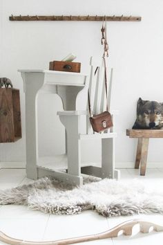 Desk study is one part that plays an important role in your kids room. Of course existence of this table is intended to support learning activities and motivation to give them encouragement Kid Desk, Wood Bedroom, Kids Decor, Home Decor, Eclectic Decor, Kid Spaces, Konmari, Kids House, Kids Furniture