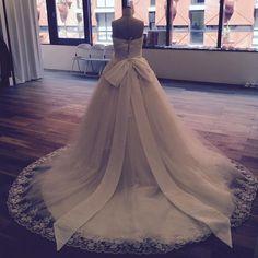 ご結婚が決まったらぜひ一度ショップを覗いてみてください #花嫁準備#プレ花嫁#エニーブライダル#ウェディングドレス#Charline#AnnieBridal#サイズオーダードレス by anniebridal_osaka