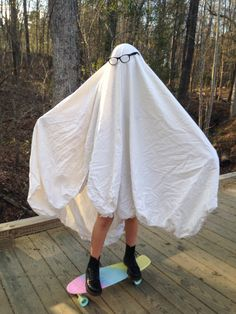 Tsukki on Halloween Flower Yellow, Sheet Ghost, Shaggy Rogers, Ghost Photos, After Life, Ghostbusters, Reaction Pictures, Look Cool, Cool Stuff