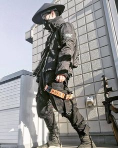 Not sure if cosplay, still it looks neat :) Mode Cyberpunk, Cyberpunk Clothes, Cyberpunk Fashion, Mode Streetwear, Streetwear Fashion, Men Looks, Edgy Outfits, Cool Outfits, Urbane Mode