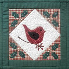 Ulla's Quilt World: Quilted Christmas bird wall hanging