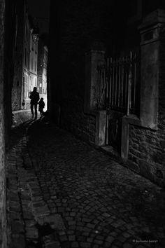 https://flic.kr/p/N9vaXe   Rue sombre   Saint-Malo