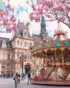 Carousel in front of the Hotel de Ville, Paris, France Karussell vor dem Hotel de Ville, Paris, Frankreich Places In Europe, Places To Travel, Places To See, Travel Destinations, Paris Travel, France Travel, Travel Europe, Europe Europe, Budget Travel