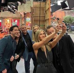 Friends Scenes, Friends Cast, Friends Moments, Friends Tv Show, Friends Forever, Entertainment Tonight, Entertainment Weekly, Jennifer Aniston News, Selfies