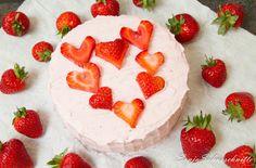 Erdbeer-Herz-Torte  Vallentinstags Torte; Herzen; Erdbeeren