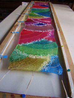 Bufanda de seda pintada mano, técnica de sal, por Patricia Bueso F.