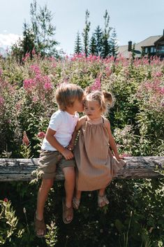 Summer in Whistler and 12 Things - Barefoot Blonde by Amber Fillerup Clark Little People, Little Ones, Blonde Kids, Blonde Baby Boy, Cute Babies, Baby Kids, Cute Baby Pictures, Cute Kids Photos, Barefoot Blonde