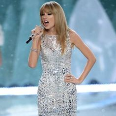 Photos Of Taylor Swift, Taylor Alison Swift, Nice Dresses, Formal Dresses, Blake Lively, My Girl, Curly Hair Styles, Hair Beauty, Beautiful Women