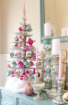 : Gorgeous Traditional Home Tour Experience the magic of Christmas in this beautifully decorated southern home. Highlights include a beachhomedecor gorgeous home homedecorcontemporary homedecorkmart southernhomedecor Tour traditional Pink Christmas Decorations, Christmas Tablescapes, Christmas Tree Themes, Christmas Love, Retro Christmas, Glass Christmas Ornaments, All Things Christmas, Winter Christmas, Christmas Crafts
