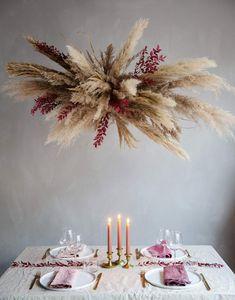 Grass Centerpiece, Hanging Centerpiece, Dried Flower Wreaths, Dried Flowers, Modern Christmas Decor, Christmas Decorations, Flower Decorations, Wedding Decorations, Flower Shop Interiors