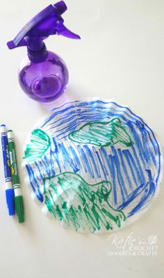 Easy Earth Day Craft with Coffee Filter - Katie's Crochet Goodies Earth Craft, Earth Day Crafts, Spring Art, Spring Crafts, Recycled Crafts Kids, Crafts For Kids, Recycled Art, Solar System Activities, Earth Day Projects