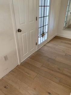 Add style, comfort and color to your living room or bedroom with this excellent Malibu Wide Plank French Oak Mavericks Click Lock Hardwood Flooring. Hardwood Floor Colors, Engineered Hardwood Flooring, Vinyl Plank Flooring, Hardwood Floors, White Oak Laminate Flooring, Plywood Floors, Oak Flooring, Oak Floor Stains, White Oak Floors