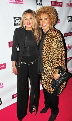 | Janet Dubois and Daughter - LIKE MOM...LIKE DSUGHTER