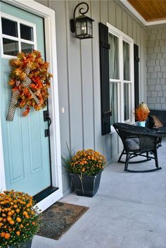 Every good farm house has a charming front porch. At Willow Hill Farm, the Earl Grey SW 7660 exterior is the perfect, welcoming neutral. Not too purple or blue or tan! And that Festoon Aqua SW 0019 front door with its fun, autumn, DIY wreath? Swoon!