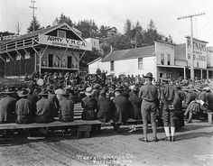 YMCA soldiers' band and song meeting at Newport, Oregon, on a Sunday, OSU Archives Women In France, Newport Oregon, County Seat, Historical Pictures, Oregon Coast, Digital Image, Soldiers, Vintage Photos, Virginia