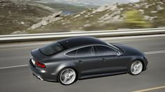 Sizzling, civilized Audi RS7: Rubber-burning tech toy http://cnet.co/1cfxMHx