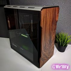 Gorgeous Walnut Front Panel Mod on the Phanteks EVOLV mATX TG : pcmasterrace