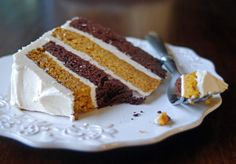 So I came up with this chocolate pumpkin cake with spiced brown butter frosting. The layers keep the two flavors separate, and the brown butter frosting is so incredible. Chocolate Pumpkin Cake, Best Chocolate Cake, Pumpkin Dessert, Pumpkin Pumpkin, Canned Pumpkin, Pumpkin Puree, Sweet Recipes, Cake Recipes, Dessert Recipes